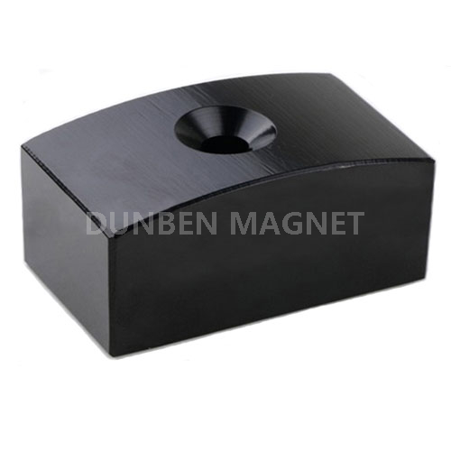 Bread arc magnets with countersunk for elevator motors